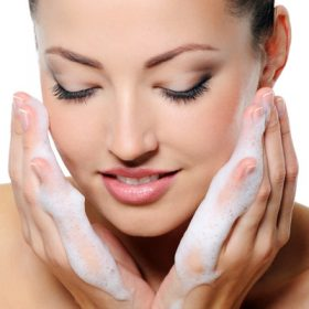 How to Choose the Best Cleanser for Your Skin Type and Skin Concerns